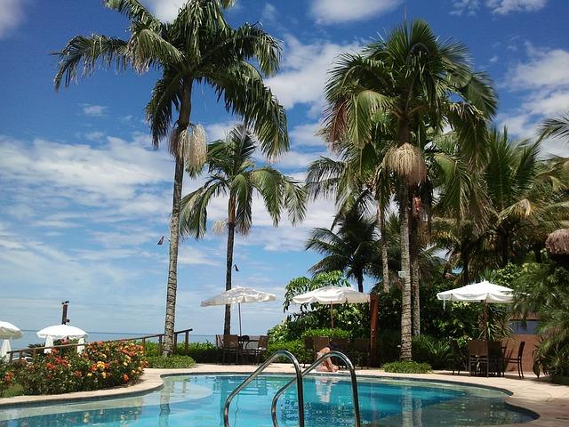 přímořský venkovní bazén