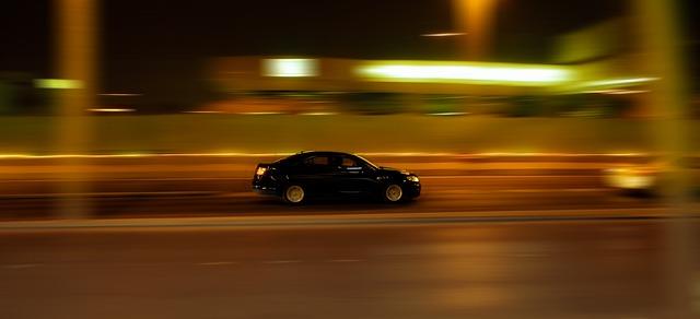 jedoucí auto